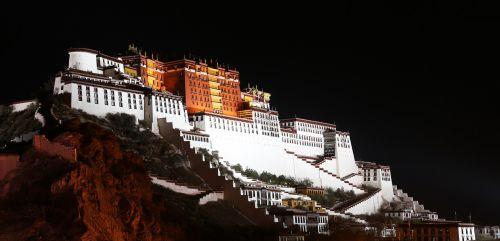 the potala palace tibet night