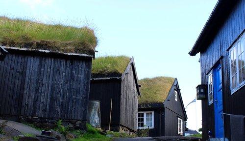 the promontory  wooden houses  tórshavn