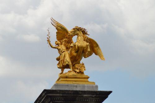 the reputation of science alexandre iii bridge statue
