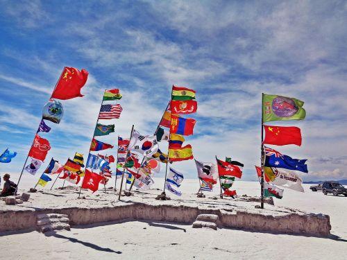 salar de uyuni,uyuni,vėliavos,druskos dykuma,Bolivija