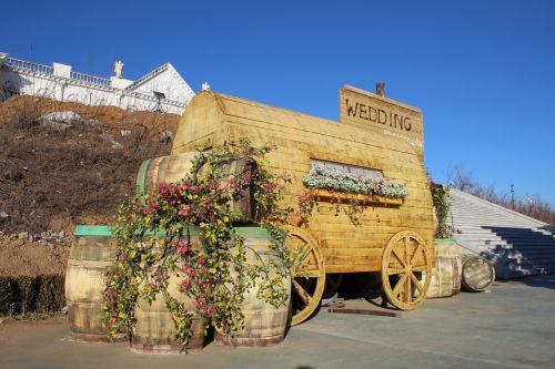the scenery cask wine cart