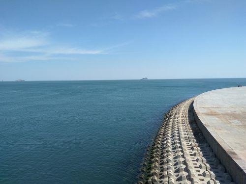 the sea coast distance