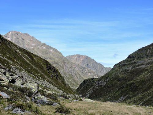 the sellrain valley pforzheim hut hiking