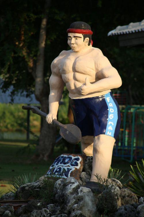 statula,raumenys,turistų atrakcijos