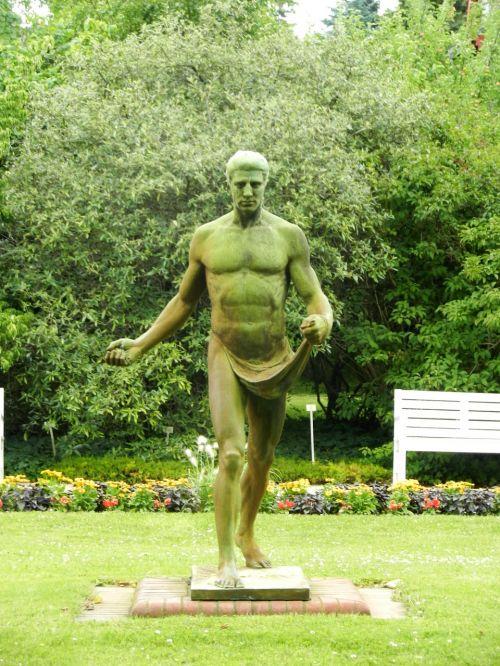 the statue statue male