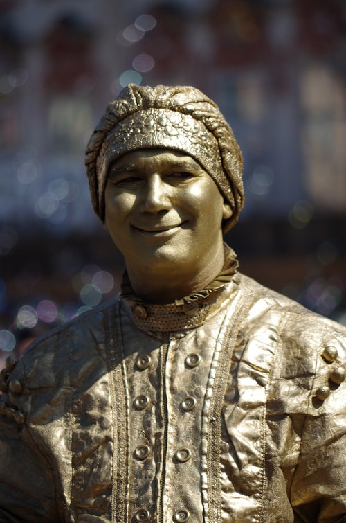 the statue of  actor  the figure of the