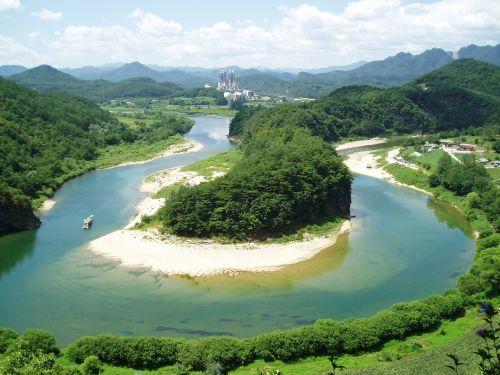 the terrain of the korean peninsula donggang gangwon do