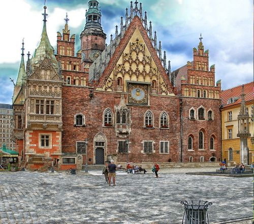 the town hall wrocław building