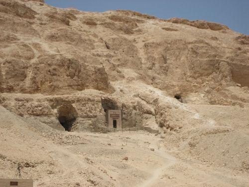 the valley of the kings egypt desert