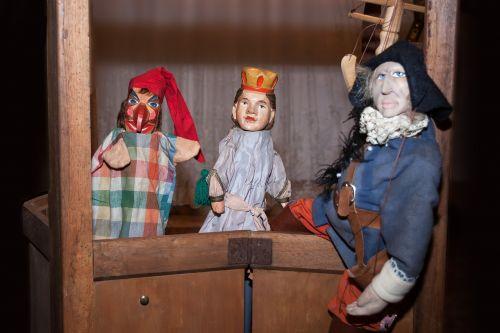 theater kasper play dolls