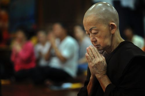 theravada buddhism buddhist nun