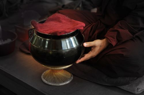 theravada buddhism monk's bowl buddhist
