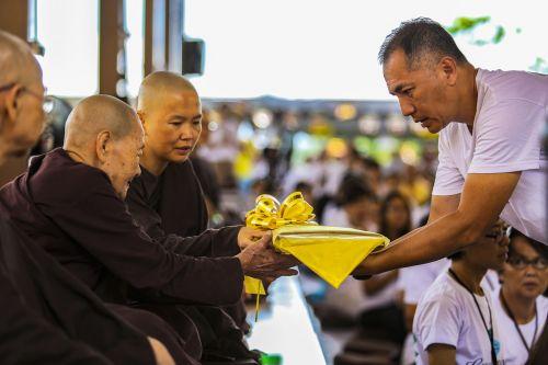 theravada buddhism kathina robe offering robe