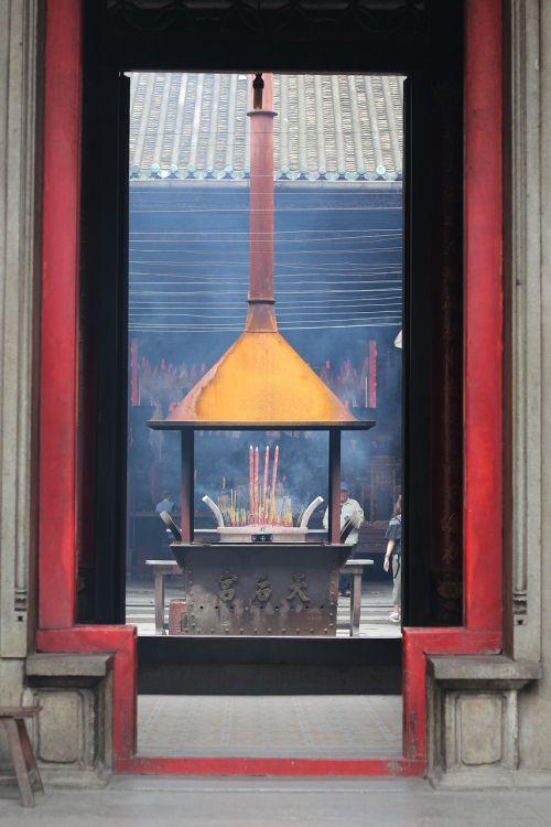 thienhau pagoda vietnam
