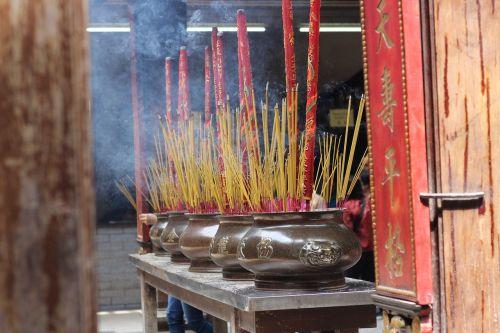 thienhau pagoda chinatown vietnam