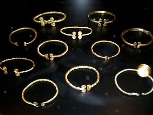 Thin Scandinavian Gold Bracelets 2