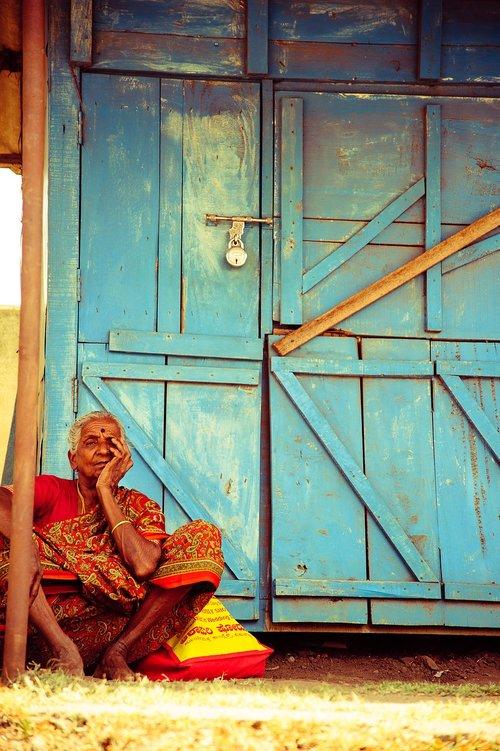 thinking  woman  india