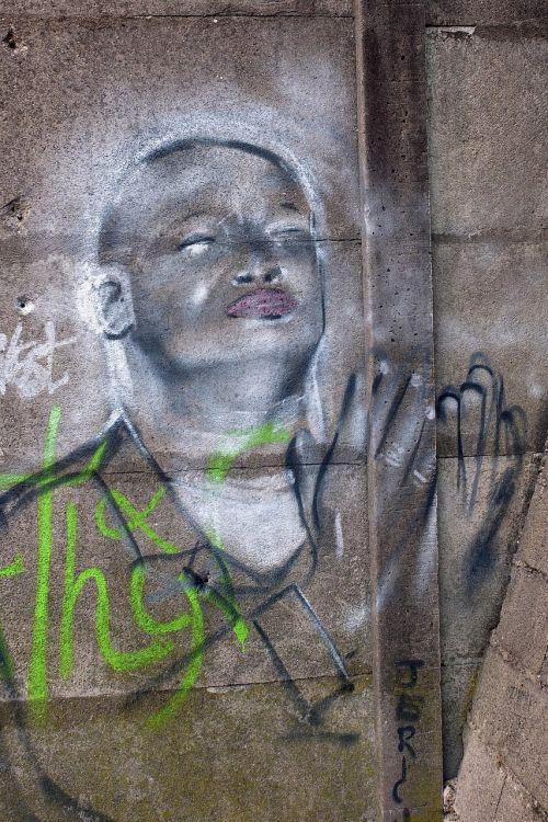 thionville graffiti monk