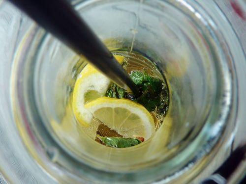 troškulio gesintuvas,ledas,atsipalaidavimas,erfrischungsgetränk,drėgnas,skystas,šviežias,gerti,stiklas,skanus,citrina,citrinos skvošas,sumaišyti,mišrus gėrimas