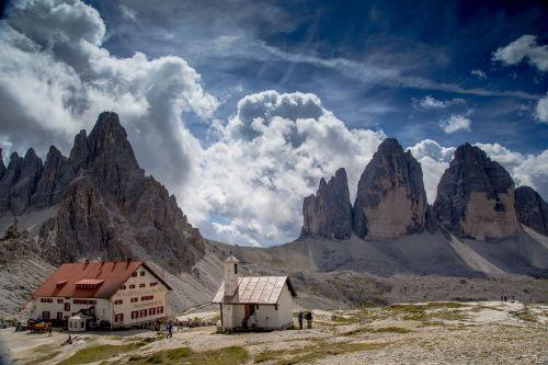 three peaks of lavaredo hut dolomites drei zinnen hut
