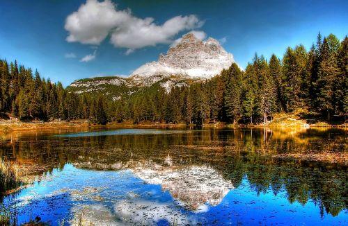 three zinnen dolomites mountains
