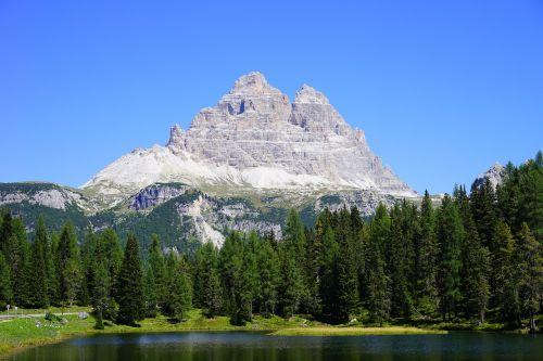 three zinnen antorno lake lake