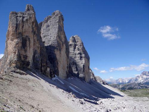 three zinnen alpine mountains