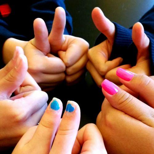 thumbs up thumbs success