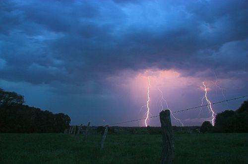 thunderstorm flashes lightning weft