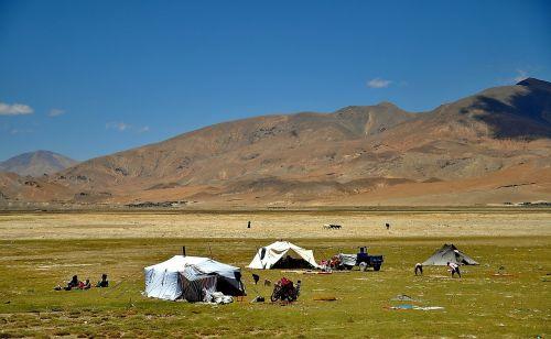 tibet landscape nomads