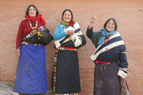 tibetan clothing character