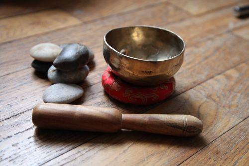tibetan bowl meditation pebble