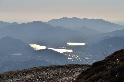 Ticino,ežerai,kalnas,kraštovaizdis,Vandens telkinys,Alpių ežerai,gamta,kalnai,rūkas,žalias