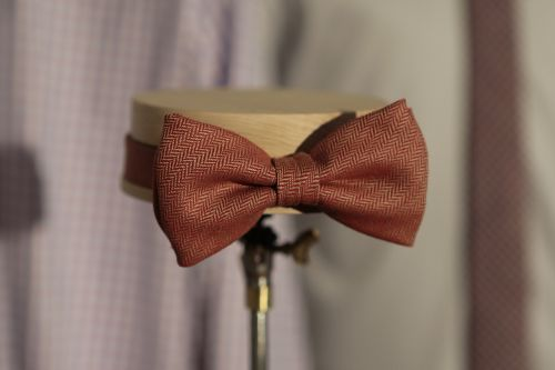 tie howe fashion