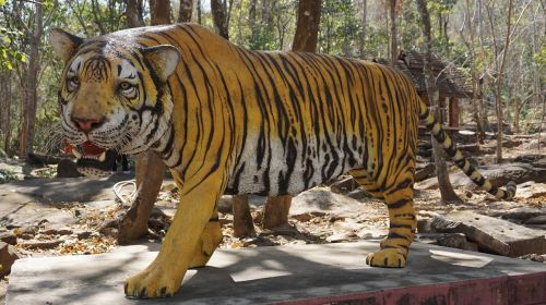 tiger statue awesome