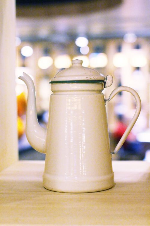 tin teapot white