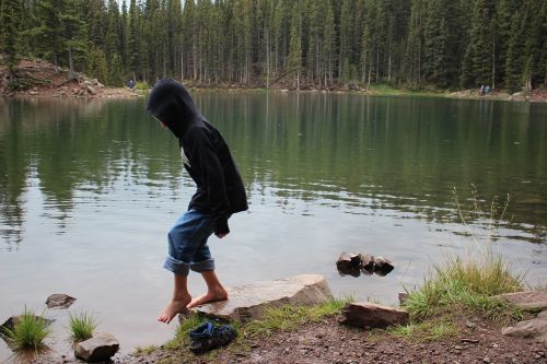 tip-toe boy lake