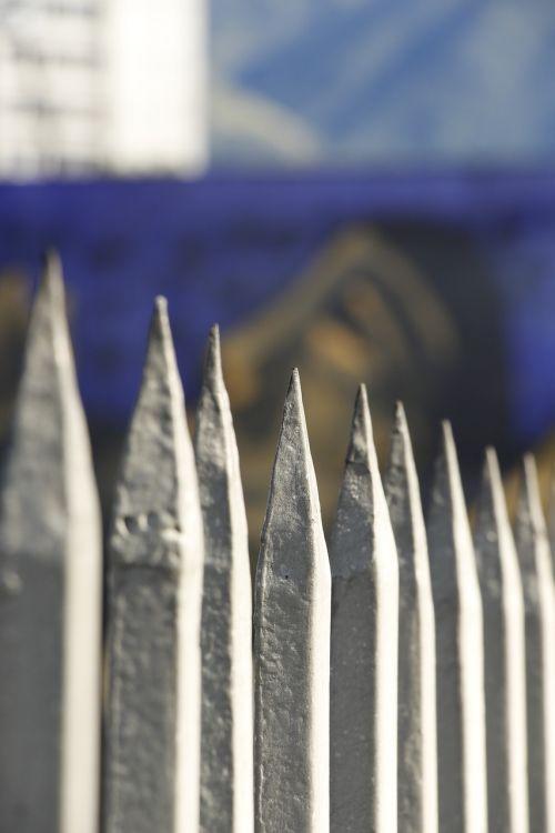 tips barrier metal