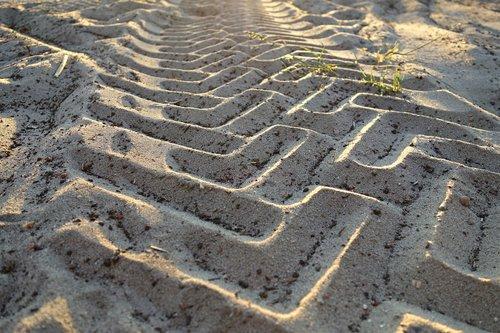tire tracks  profile  imprint