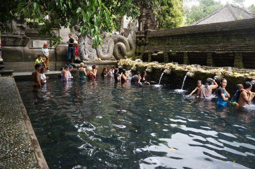 tirta empul temple bathing baptism