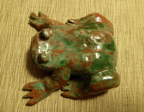 toad clay figure weel