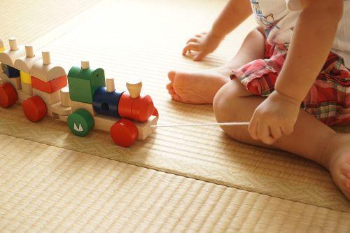 toddler building block pull