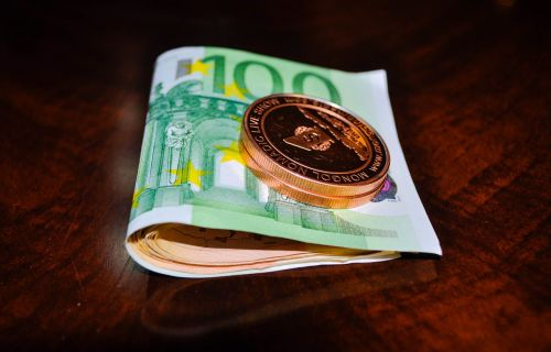 token euro money