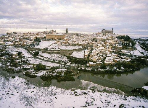 toledo nevado  snow  tagus river