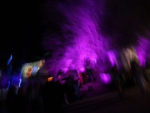 tollwood festival wobbles