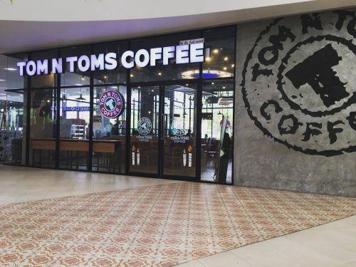 tom toms coffee wall ect