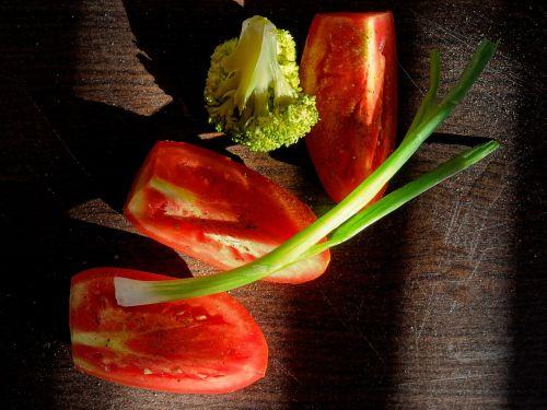 tomato onion brocoli