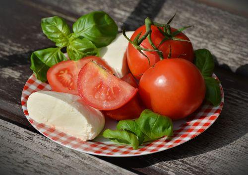 tomatoes tomato mozzarella basil