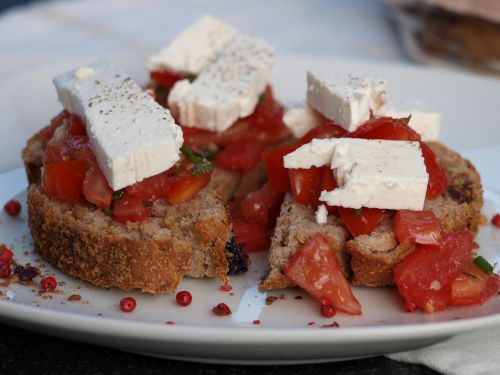tomatoes goat cheese food