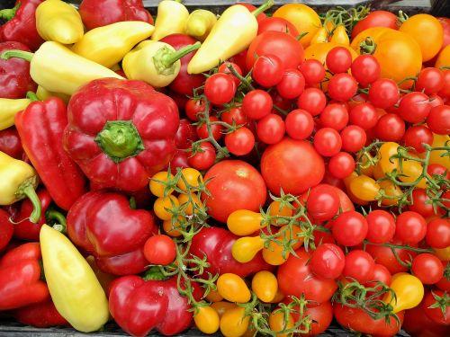 pomidorai,pipirai,daržovės,raudona,geltona,šviežias,maistas,sveikas,ekologiškos daržovės